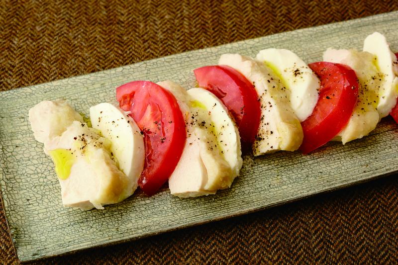まさに、おろし玉ねぎマジック☆ それでは、気になるレシピをさっそくご紹介します。 「サラダチキン」