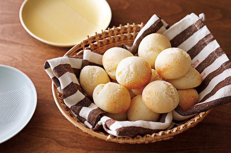 もちもちチーズパン〈ポンデケージョ〉が、あの材料で超カンタンに手作りできる!