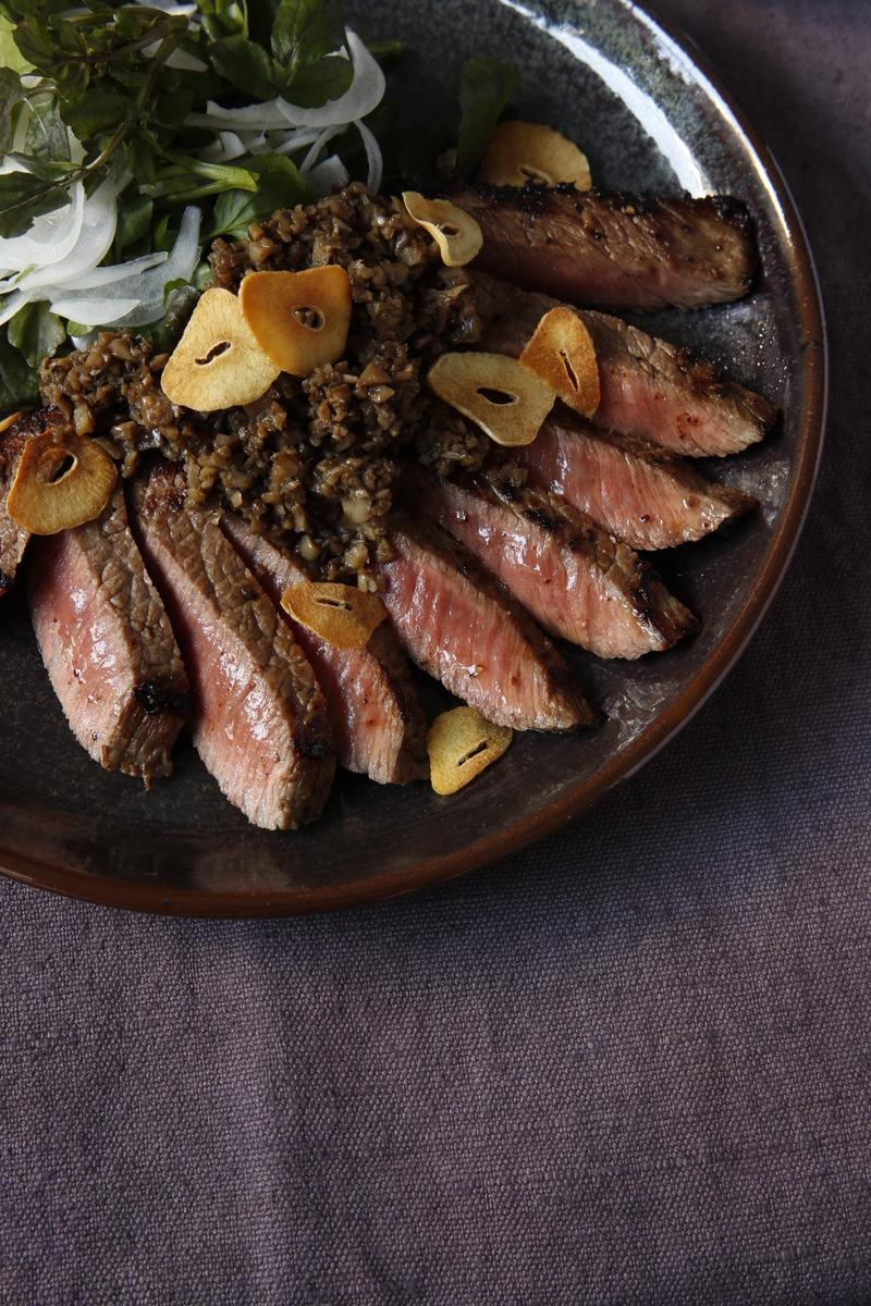 驚愕!!まいたけで、安い赤身肉が絶品柔らか【やせステーキ】に!?