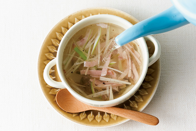 一日のはじまりに癒しの一品を。便利な【注ぐだけスープ】を朝ごはんに!