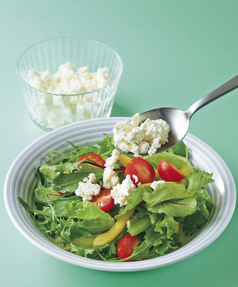 【おうちで実験】レモン、梅干し……すっぱい食材×牛乳で、自家製チーズ作っちゃお♪
