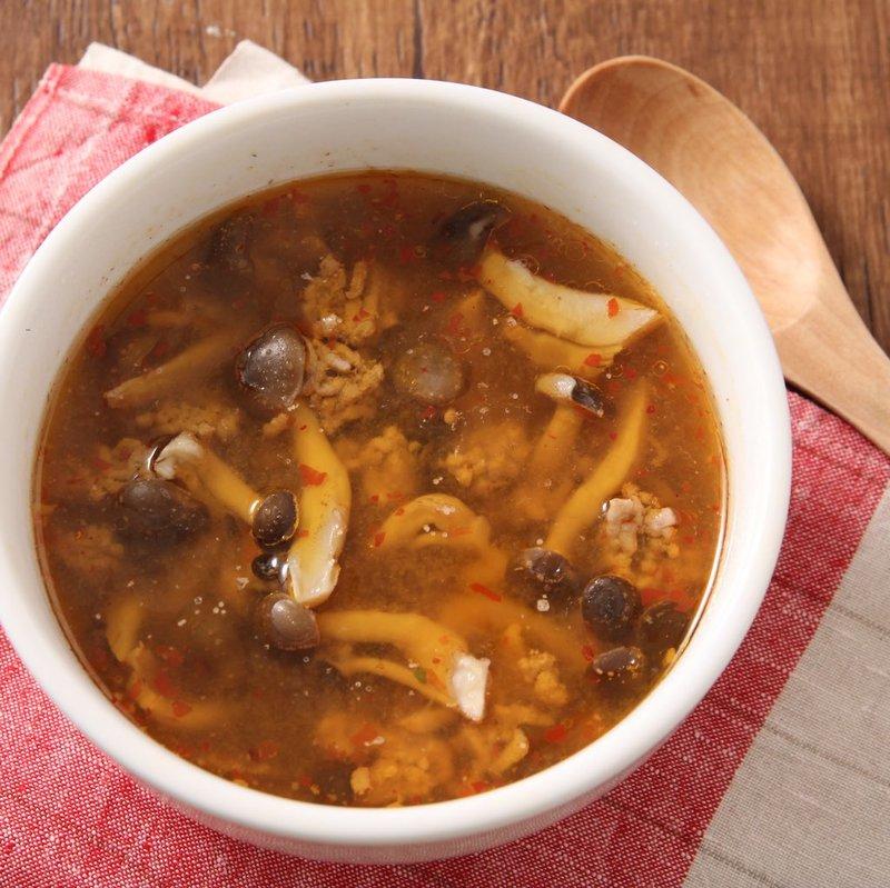 ひき肉としめじの麻婆スープ