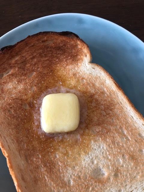 冷凍した食パンをおいしくリベイクするコツ