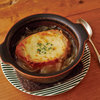 レンジで玉ねぎとろとろ!鍋いらずのオニオングラタンスープのレシピ