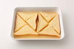 【2】をバットに移し、パンを入れてときどき返しながら10分浸す。