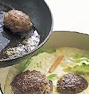 鍋に【3】の生クリームを加え、煮汁に溶かすように混ぜる。ハンバーグを加え、ふたをして弱火のまま5~10分煮る。器に煮汁ごと盛っていただく。