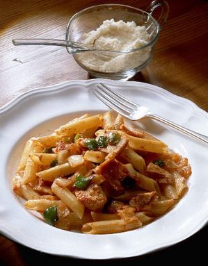 ペンネのツナトマト炒めスパゲティ