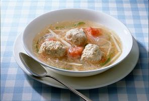 中国風鶏の肉だんごスープ