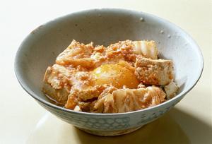 キムチと豆腐の落とし卵