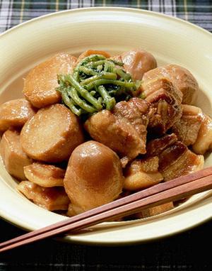 里いもと豚バラ肉の煮もの