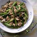鶏肉とグリーンアスパラガスの炒めもの