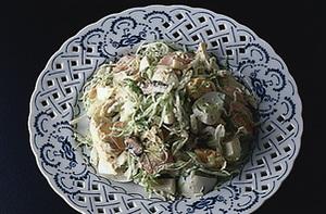 卵とオイルサーディンのサラダ