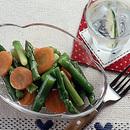 グリーンアスパラとにんじんのサラダ
