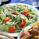 レタスとサーモンのサラダ