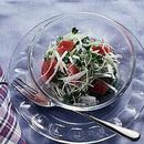まぐろと貝割れ菜のサラダ
