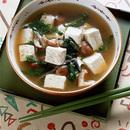 豆腐と春菊のみそスープ