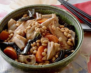 鶏手羽先と大豆の煮もの