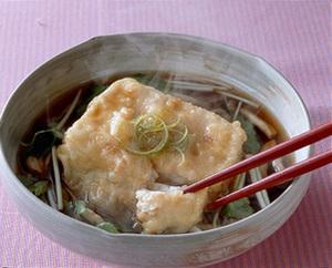 豆腐のしめじ入りゆず風味だしがけ