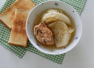 鮭缶とキャベツのスープ煮