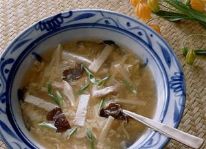 豆腐と鶏肉の中国風スープ