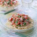 冷たいスパゲティ野菜ソース