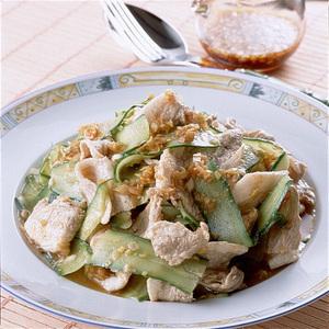 豚肉ときゅうりの中国風サラダ