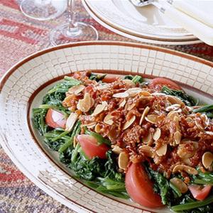 ほうれん草とカリカリ豚肉サラダ