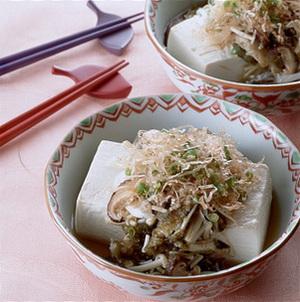 豆腐のとろろ昆布蒸し