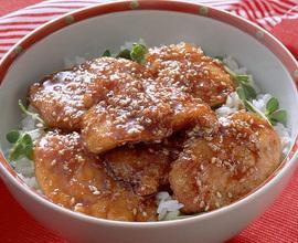 鶏肉のごま照り焼き丼