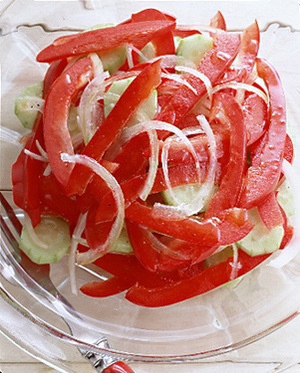 赤ピーマンのさわやかサラダ