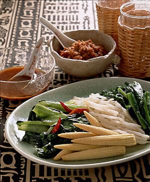 中国野菜の肉みそごま酢ソースかけ