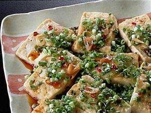 にんにく風味の豆腐ステーキ