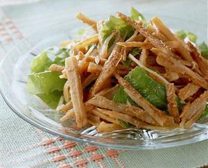 たたきごぼうの韓国風サラダ
