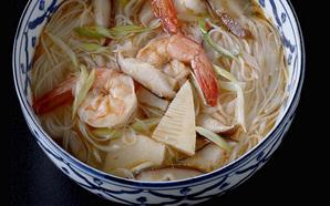 えびのタイ風辛み麺