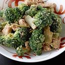 ブロッコリーと豚肉のすりごま炒め