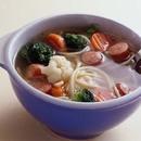 スパゲティ入り野菜スープ