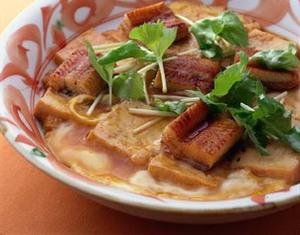 豆腐とうなぎの卵とじ