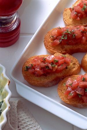 トマトのせガーリックトースト