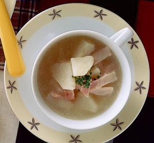 ポテトとハムのスープ