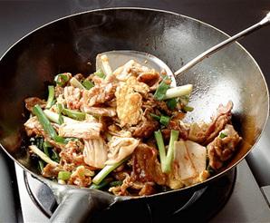 豚肉とふんわり卵のキムチ炒め