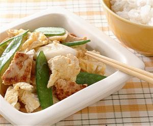 豆腐ときぬさやのいり卵