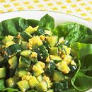みそ味いり卵ときゅうりのサラダ
