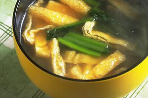 青菜と油揚げのみそ汁