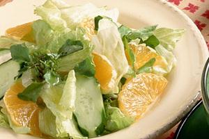 オレンジ入りグリーンサラダ