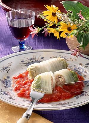 ロール白菜のトマトソース