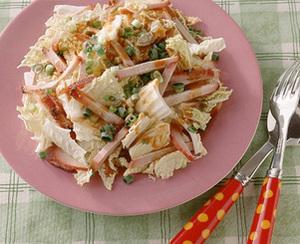 白菜と焼き豚のごま風味サラダ