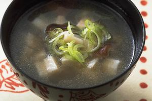 根菜ときのこのすまし汁