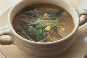 セロリとコーンのスープ