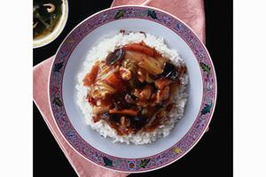鶏肉、白菜、きくらげのあんかけご飯