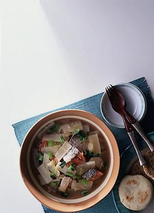 塩鮭と大根のスープ煮